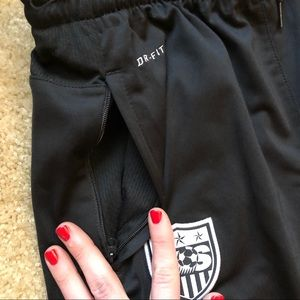 Nike Pants - Nike Drifit US Womens Soccer Pants Running Medium